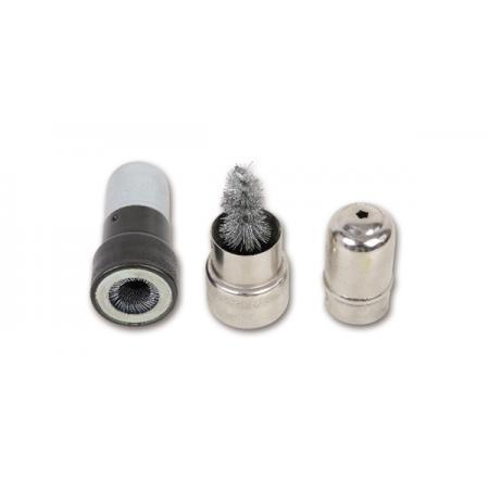 páry čisticích ocelových kartáčů na kolíky a sloupky baterií